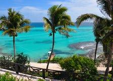 tropiskt perfekt hav för liggande Arkivbild