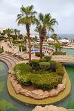 Tropiskt semesterorthotell med palmträd och simbassängen, Sharm e Fotografering för Bildbyråer