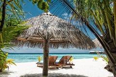 tropiskt strandlandskap Arkivfoto