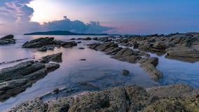 Tropiskt vagga havsstrandsikten arkivfoto