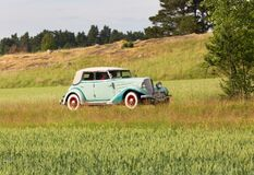 AUBURN 652 Y. Year 1934 light green