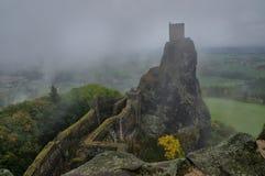 Trosky城堡,波希米亚,捷克共和国-秋天图片 免版税库存图片
