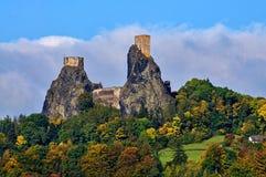 Trosky Schloss stockfotos
