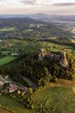 Trosky slott i bohemiskt paradis arkivfoto