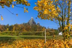 Troskykasteel in het paradijs van Bohemen - Tsjechische republiek stock afbeeldingen