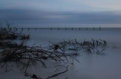 Trostloser Sonnenuntergang nach dem Hurrikan Lizenzfreie Stockfotos