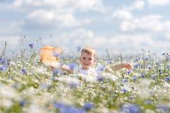 Troszkę chłopiec spacery Obraz Stock