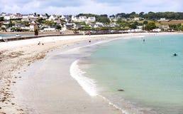 Troszkę Francuski miasta St polityk de LEON Wielka plaża, Cote d ` azur, i biały cukier fotografia stock