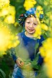 Troszkę jednoroczna stara chłopiec w kapeluszu Zdjęcia Royalty Free