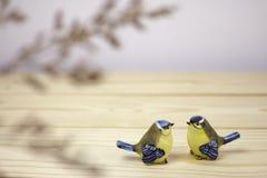 Troszkę dwa ceramicznego ptaka Obraz Royalty Free