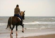 Trotar na praia Imagens de Stock