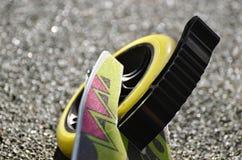'trotinette' da roda em um fundo do asfalto fotografia de stock