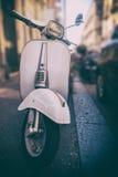 'trotinette' italiano branco fotos de stock