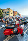 'trotinette's do italiano do Vespa do vintage Foto de Stock Royalty Free