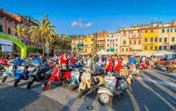 'trotinette's do italiano do Vespa do vintage Imagens de Stock