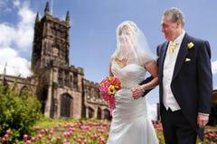 Trotse vader en bruid royalty-vrije stock afbeeldingen