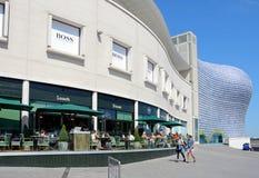 Trottoarkafé och Selfridges, Birmingham Royaltyfri Bild