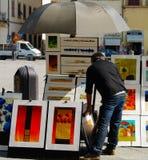 Trottoarmålare i Florence Italy med hans konst arkivfoton