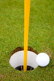 Trou de bille de golf images stock