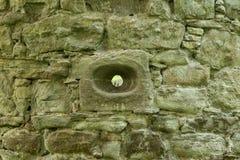 Trou de la défense pour des flèches dans le château de scone Image libre de droits