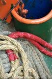 Trou de point d'attache avec des cordes Images libres de droits