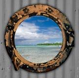 Trou de port de vue de plage. Images stock