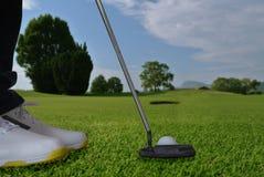 Trou de putter de golf Images stock