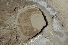 Trou de volcan de boue Photos libres de droits