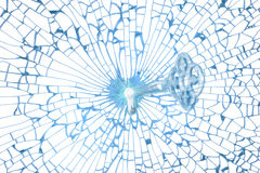 Trou principal en verre dans la forme fragile de coeur Images stock