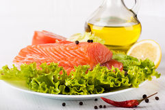 Trout crude with salad pepper Royalty Free Stock Photos