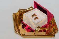 Trouwringen in een doos Stock Foto