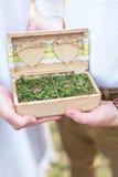 Trouwringen in kist Royalty-vrije Stock Foto