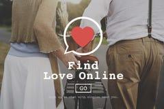 Trovi il concetto romanzesco della datazione del cuore di amore dei biglietti di S. Valentino online di amore Immagine Stock Libera da Diritti