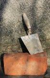 Trowel e mattone Fotografia Stock Libera da Diritti