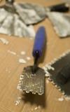 Trowels per l'applicazione mortaio e delle mattonelle fotografie stock libere da diritti
