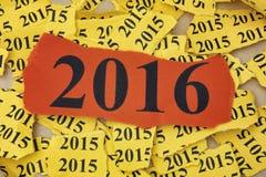 Trozo de papel rasgado con el año 2016 Imágenes de archivo libres de regalías