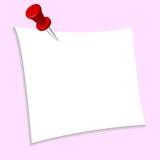 Trozo de papel vacío con la tachuela de pulgar Foto de archivo libre de regalías