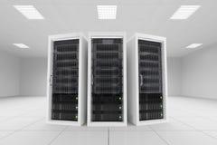 Três cremalheiras dos dados na sala do servidor Fotos de Stock