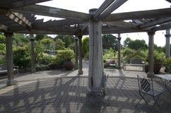 Träträdgårds- paviljong Royaltyfri Bild