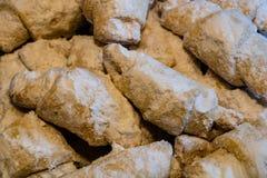 Trubichky - biscuits russes avec le plaisir turc photographie stock libre de droits