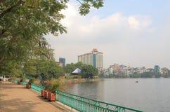 Truc Bach sjöcityscape Hanoi Vietnam Fotografering för Bildbyråer