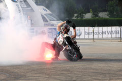 Trucchi di Narcis Roca con il motociclo Fotografia Stock