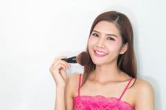Trucco estetica Base per trucco perfetto di Make-up Applicazione del trucco Fotografie Stock Libere da Diritti