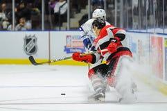 Truchas arco iris de Mississauga contra Ottawa 67 Juego de hockey Imágenes de archivo libres de regalías