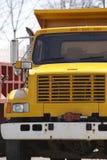truck απορρίψεων κίτρινο Στοκ εικόνα με δικαίωμα ελεύθερης χρήσης