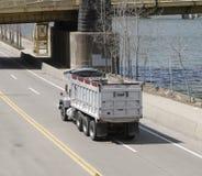 truck απορρίψεων Στοκ εικόνες με δικαίωμα ελεύθερης χρήσης