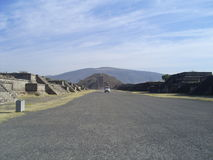 truck πυραμίδων φεγγαριών στοκ φωτογραφία με δικαίωμα ελεύθερης χρήσης