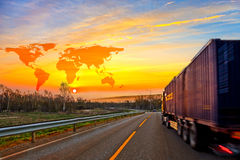 Truck στο δρόμο Στοκ φωτογραφίες με δικαίωμα ελεύθερης χρήσης