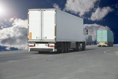 truck της οδικής Ισπανίας των Πυρηναίων βουνών Στοκ φωτογραφίες με δικαίωμα ελεύθερης χρήσης