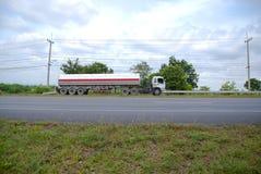 truck της οδικής Ισπανίας των Πυρηναίων βουνών Στοκ Φωτογραφία